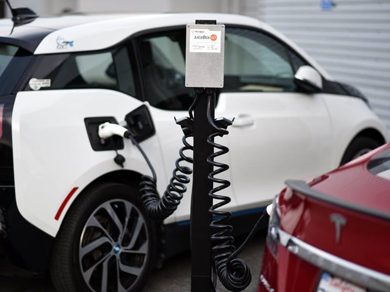 How Much Does It Cost To Charge An Electric Car